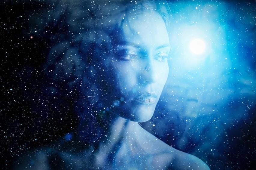 Horoskop na sierpień 2020: Co gwiazdy przyniosą Bykom, Baranom, a co Koziorożcom i Wodnikom? Sprawdź miesięczny horoskop na sierpień 2020 dla wszystkich znaków zodiaku, który przygotowała dla Was wróżka Eufemia.