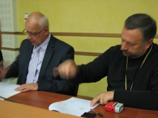 - Nasz region ma już taką specyfikę, że wśród zabytków przeważają obiekty sakralne - mówi Jarosław Dworzański, marszałek województwa.