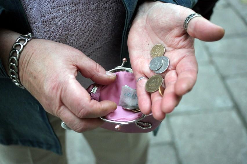 Pełne świadczenie trafi do emerytów z najniższą emeryturą,...