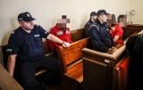 Sprawa tortur i zbiorowego gwałtu na 18-latku. Są surowsze, prawomocne wyroki. Od 6 do 9 lat dla czworga napastników