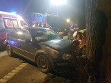 Wypadek w Sławutówku 7.01. Zderzenie samochodów osobowych. Kierowca bez prawa jazdy zjechał na lewy pas i staranował inny samochód