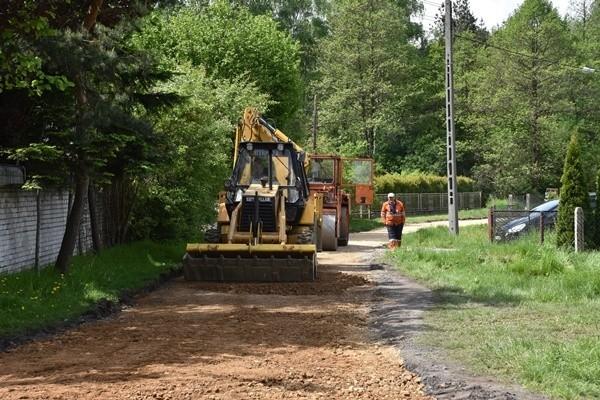 W Sławkowie widać już pierwsze efekty remontów miejskich dróg