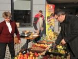 Ekologiczny bazar przyciągnął tłumy. Na zakupy przyjechali znani ludzie