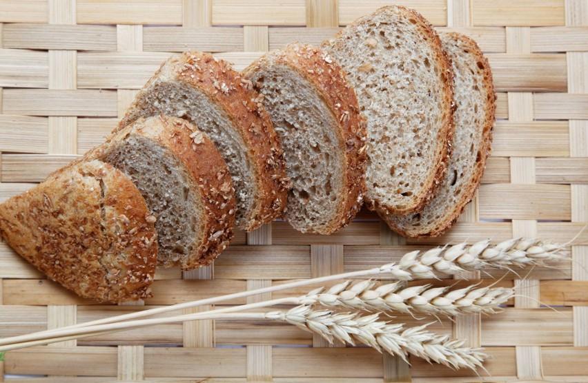 Składniki: 600 g mąki graham, 170 g mąki pszennej chlebowej,...