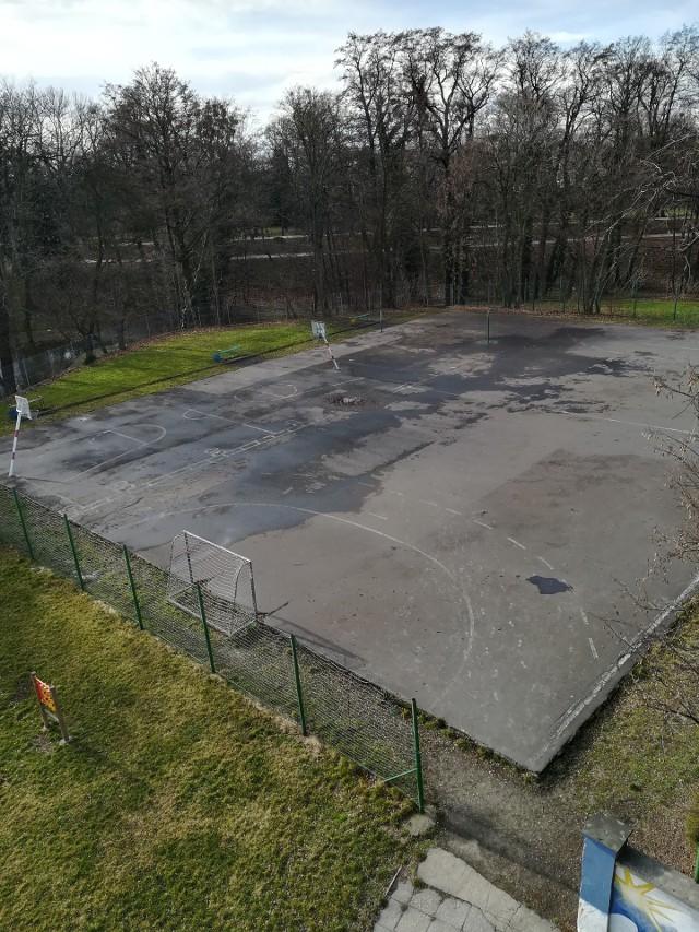 Zarówno uczniowie, jak i mieszkańcy Brzegu jeszcze w tym roku będą mogli korzystać z nowoczesnego obiektu sportowego.