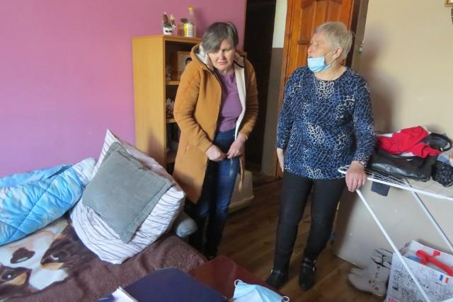 Krystyna Ulatowska chce, aby miasto zapewniło jej większe mieszkanie, w którym oprócz niej i synów mogłaby także mieszkać jej matka Czesława Kapela