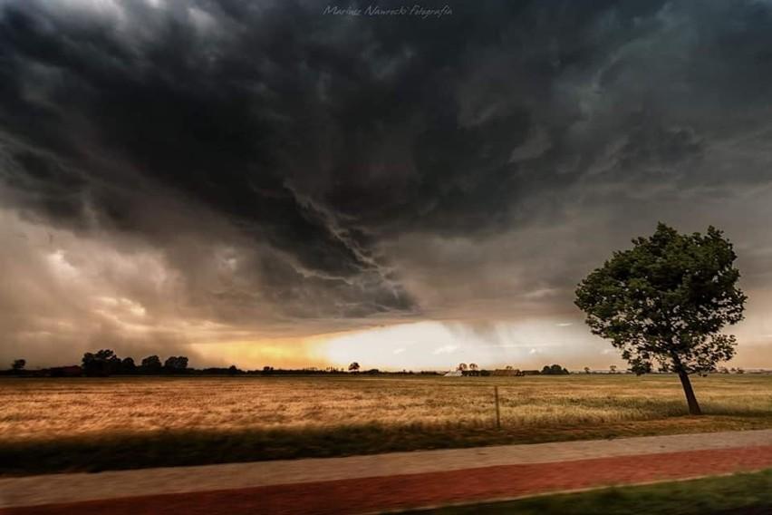 Nad Lubuskie nadciąga burza. Gwałtowną zmianę pogody udało się sfotografować Mariuszowi Nawrockiemu.