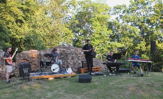 W 2020 r. w Wąbrzeźnie z powodu epidemii koronawirusa odwołano pierwszy festiwal jazzowy zaplanowany na marzec, ale latem zorganizowano jazzowe koncerty w scenerii ruin zamku biskupów chełmińskich