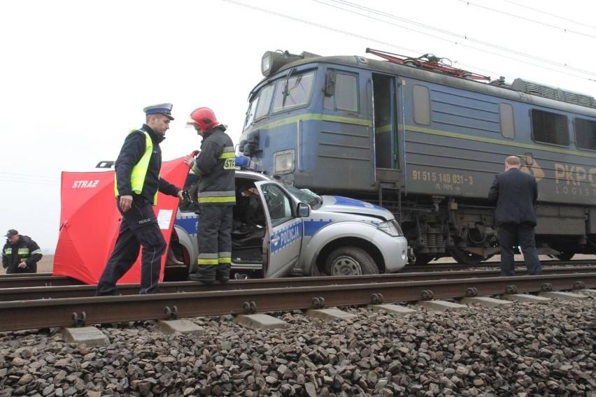 Wypadek na przejeździe kolejowym. Nie żyje komendant z policji