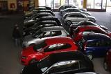 """Najpopularniejsze auta używane z importu w 2017 roku. Do Polski sprowadzono prawie milion """"używek"""" [LISTA MODELI]"""