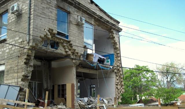 Nie na każdą budowlaną niedoróbkę można przymknąć oko. Przejdź do kolejnych slajdów, żeby zobaczyć, jak kreatywni potrafią być rosyjscy budowlańcy.Licencja