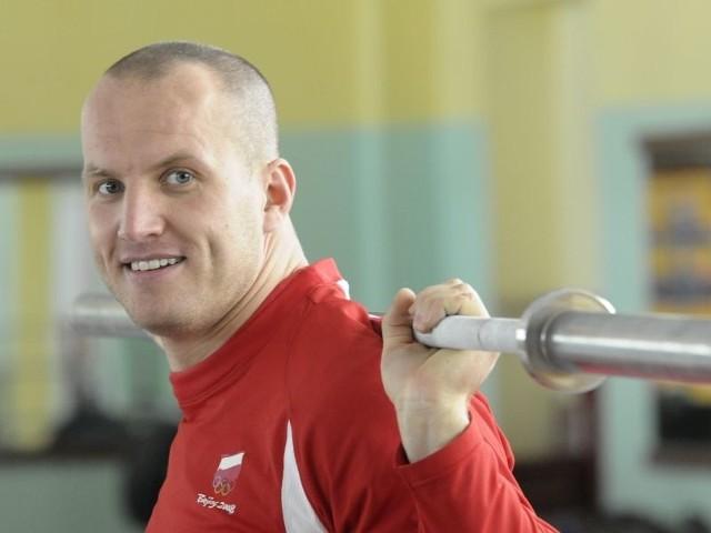 Marcin Dołęga z wyraźnym grymasem bólu zaliczał kolejne podejścia. Ale mimo wszystko jest optymistą przed najważniejszą częścią sezonu.