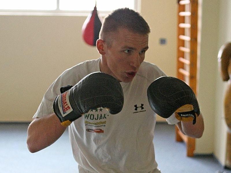 Przemysław Runowski w sobotę po raz trzeci stanie na zawodowym ringu. Fot. Kamil Nagórek