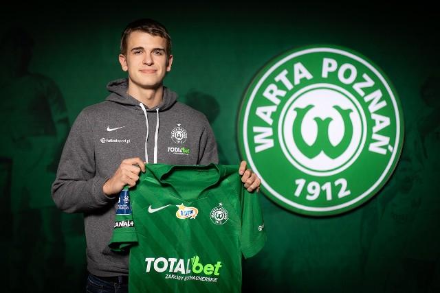 Maik Nawrocki jest trzecim transferem z Niemiec, a szóstym w ogóle tej zimy. W klubie będzie występował z numerem 32.