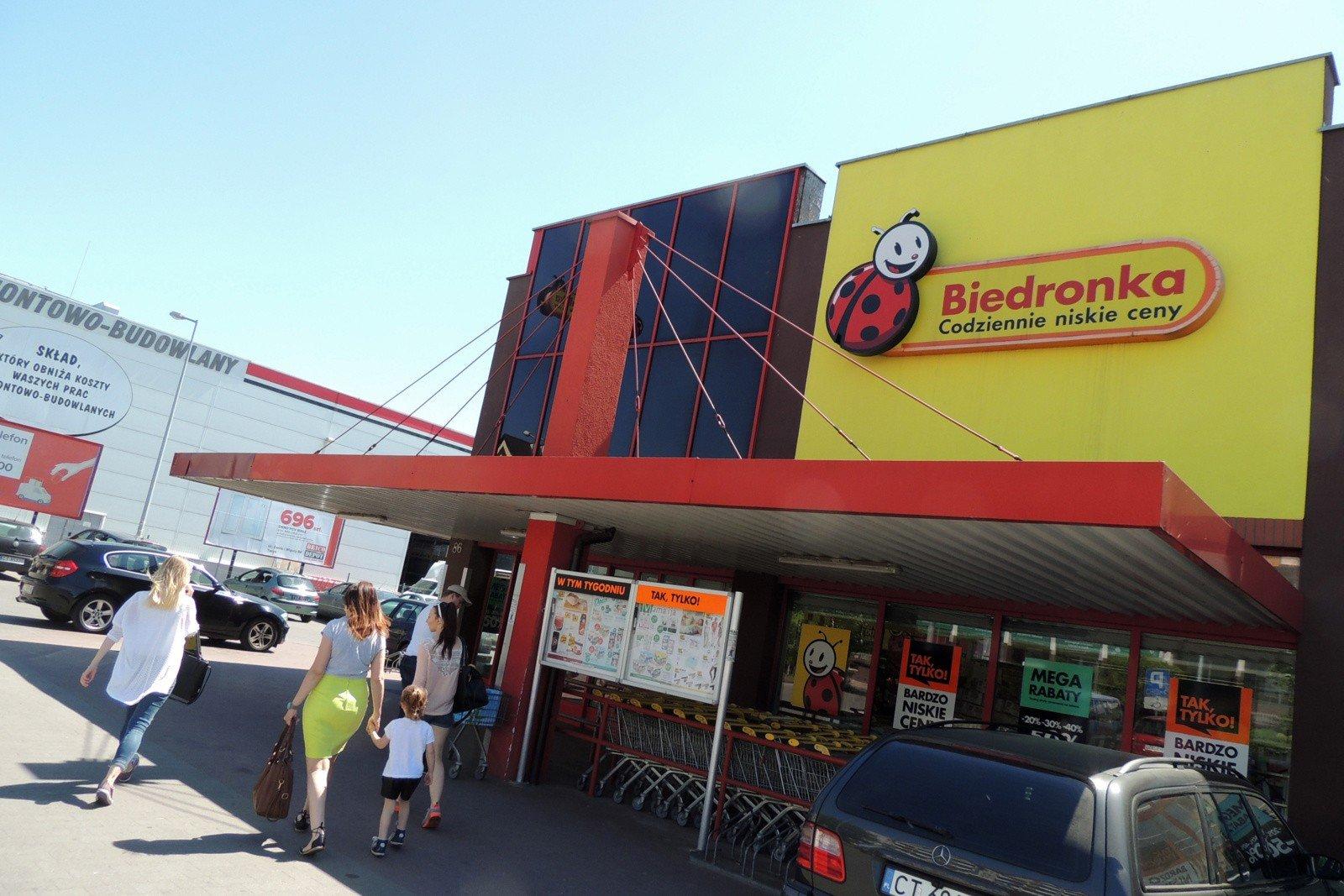 45751fb5 Biedronka otwiera nowy typ sklepu. Będzie to outlet. Przeceny mają sięgać  aż 80 procent