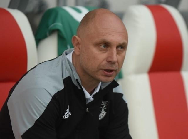 Trener Bogdan Jóźwiak zrobi wszystko, żeby nie dać się pokonać Widzewowi