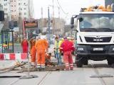 Kończą się utrudnienia na ul. Przybyszewskiego. Skrzyżowanie z ul. Kilińskiego wkrótce będzie otwarte ZDJĘCIA 23.04.2021 r.