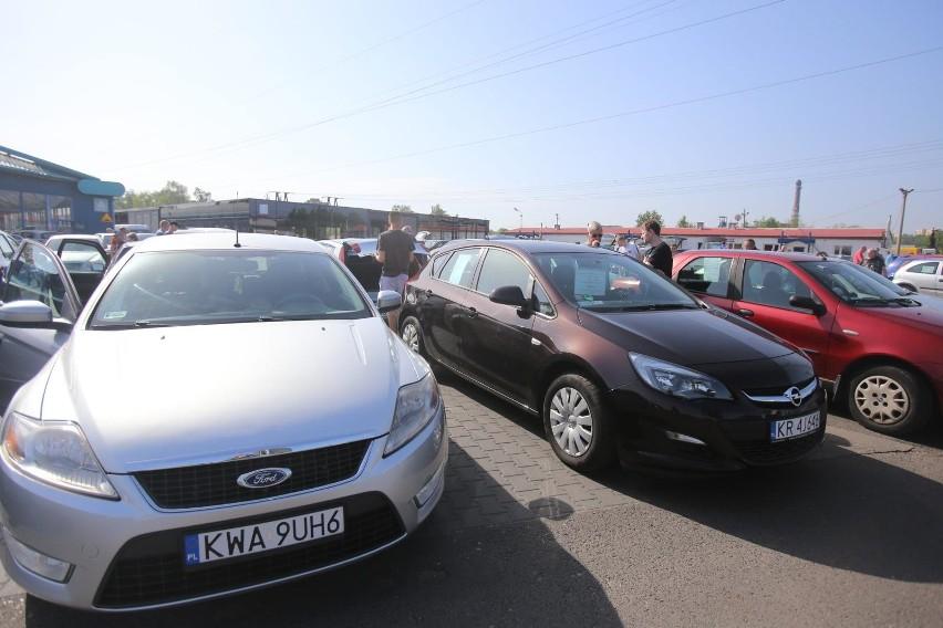 Kupowanie używanego samochodu to długotrwały proces – na...