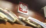 Prokuratura Rejonowa w Krośnie postawiła zarzuty fałszywemu lekarzowi. 43-latek podawał się za wojskowego neurochirurga i chciał leczyć raka