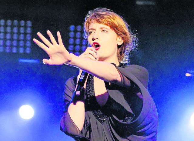 Florence Welch, liderka zespołu Florence and the Machine, przyjeżdża do Polski bardzo chętnie i zawsze przyciąga tłumy