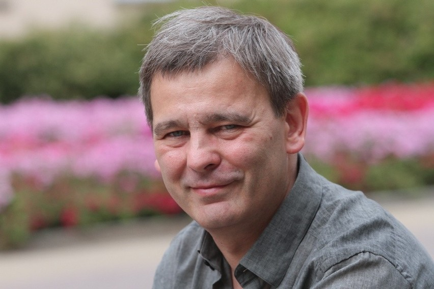 Jacek Grudzień jest publicystą i dyrektorem Łódzkiego Ośrodka Telewizyjnego