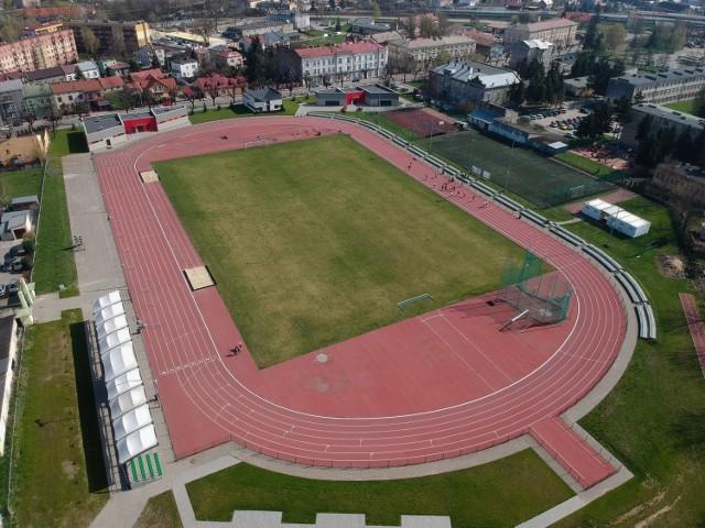 Zmodernizowanemu stadionowi szkolnemu Juwenia przy ul. Dworskiego w Przemyślu nadano imienia Jarosława Kłymińskiego.