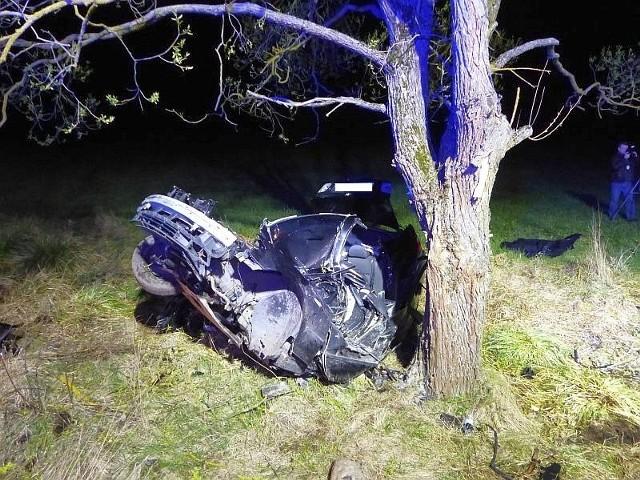Wypadek BMW w m. Klejniki. 19-letni kierowca zginął na miejscu