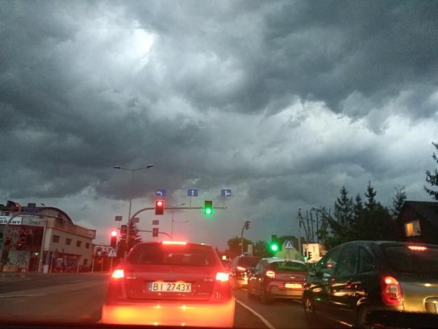 Radar burzowy online: Gdzie jest burza? IMGW wydało ostrzeżenie przed burzami z gradem dla woj. podlaskiego [28.05.2019]