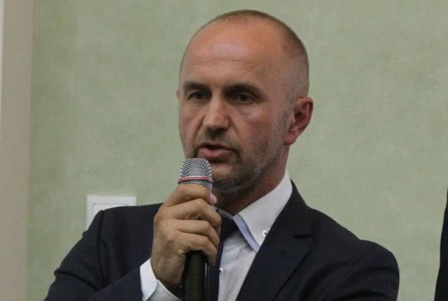 Peter Kaluba reprezentuje senegalskiego inwestora w ne-gocjacjach z miastem.