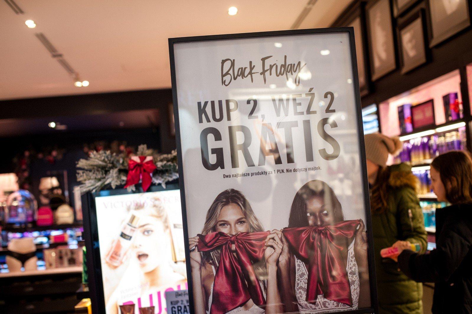 27b40724cf Black Friday 2017. Zakupy w Czarny Piątek 24.11.2017  lista sklepów ...