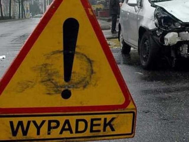 Do wypadku doszło na drodze krajowej nr 6, za wyjazdem z Koszalina w kierunku Szczecina. Ruch odbywa się wahadłowo.