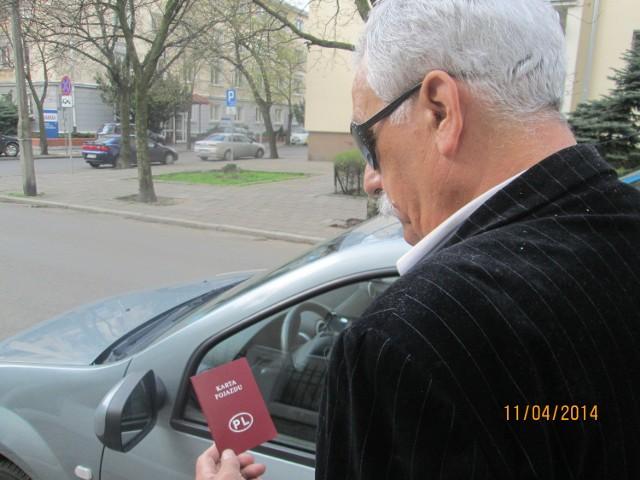 - Od razu uznałem, że należy mi się zwrot nadpłaconej kwoty za Kartę pojazdu, czyli 425 złotych - mówi pan Szczepan.