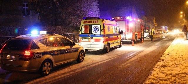 Wypadek w Chmielowicach. We wtorek wieczorem na ulicy Nyskiej VW Polo zderzył się z bmw.