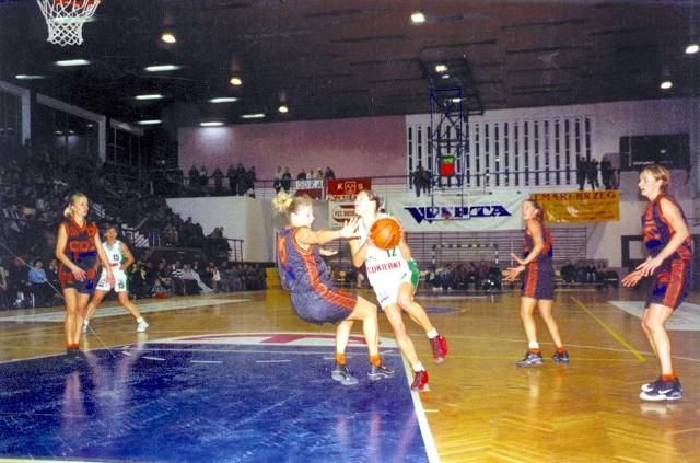 Koszykarki Odry pałają żądzą rewanżu za porażkę na własnym parkiecie.