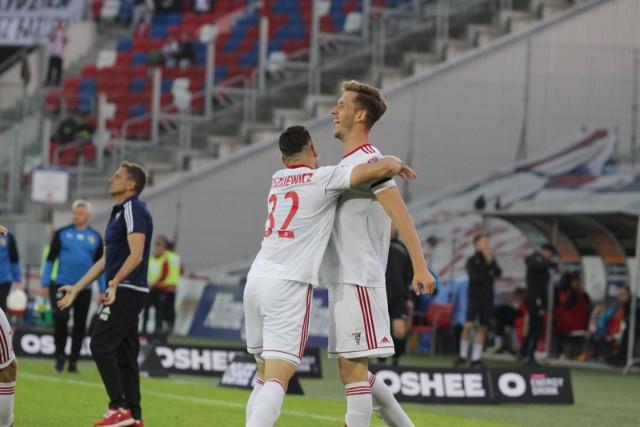 Paweł Bochniewicz z golem w debiucie dla zespołu sc Heerenveen.