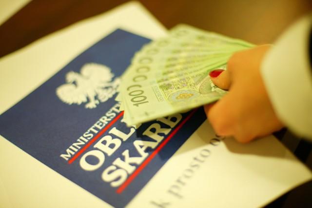 Przez 10 miesięcy bieżącego roku Polacy wydali na zakup obligacji skarbowych już 10,4 mld złotych.