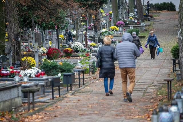 Tak wyglądał cmentarz miejski i farny w sobotę 7 listopada
