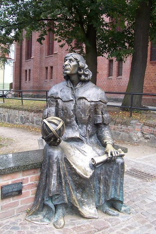 Ławeczka Kopernika w Olsztynie