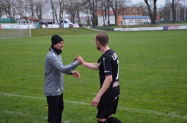 Trener Andrzej Sawicki i Artur Małecki. Obaj mieli w Świdnicy powody do zadowolenia