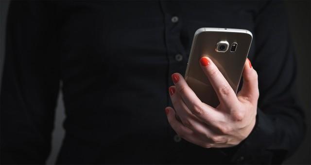 InPost alarmuje: Uwaga na fałszywe SMSy o dopłatach. Złodzieje chcą wyłudzić pieniądze