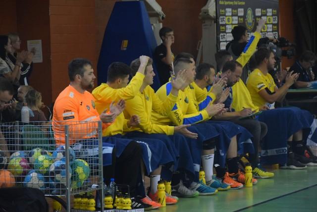 W hicie kolejki pierwszej ligi Stal Gorzów pokonuje w świetnym stylu Siódemkę Miedź Legnica