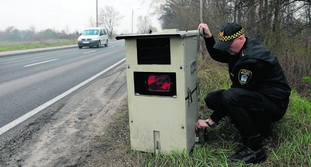 Zdaniem twórcy serwisu anuluj-mandat.pl, zgodnie z prawem za zdjęcia z fotoradarów nie musimy płacić