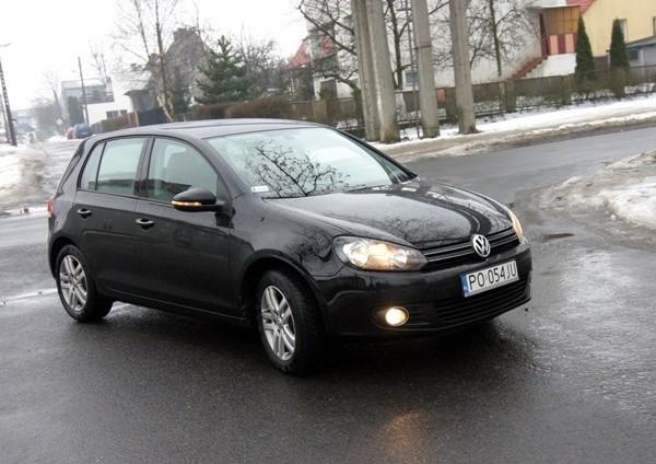 Volkswagen Golf jest jednym z najczęściej kupowanych aut klasy średniej niższej.