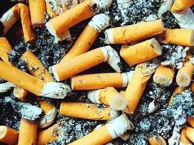 Już w listopadzie tego roku niedopałki papierosów przestaną być groźnym źródłem pożarów.