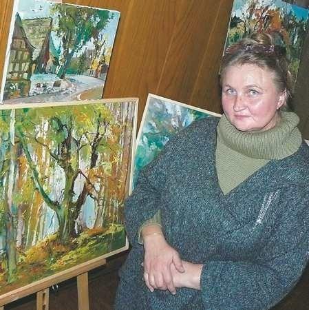 Alla Trofimenkowa-Herrmann ma 49 lat. Uprawia malarstwo sztalugowe, od 10 lat mieszka w Łagowie, gdzie organizuje plenery plastyczne Niebo w zieleni.