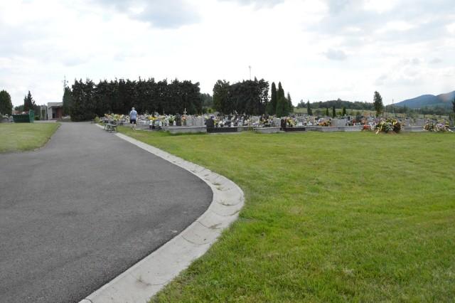 Wolnego miejsca na cmentarzu zostało niewiele. Zmienić to ma powiększenie jego powierzchni o 10 arów