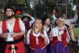 """Łabiszyn. Pałucki Festyn Ludowy. Rekord Polski we wspólnym śpiewaniu """"Prząśniczki"""", koncerty MIG i Dandi Dance [zdjęcia]"""