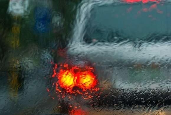 Gołoledź może utrudniać życie kierowcom nawet do jutra
