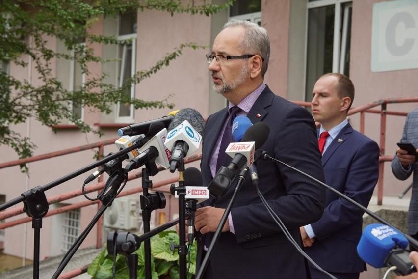 Konferencja ministra zdrowia Adama Niedzielskiego w...