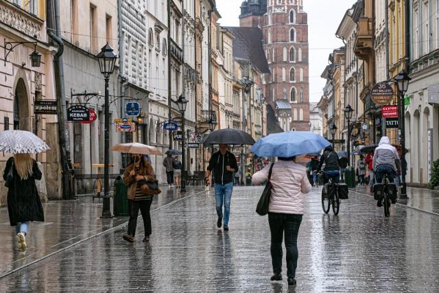 Nowelizacja podatku od deszczu. Właściciele mieszkań zapłacą ok. 800 zł rocznie. Szkoły i szpitale obciążone kwotą nawet 90 tysięcy złotych